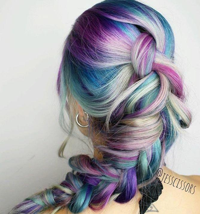 Coloured Braids #braids #braidstyles #braidstylist #stylist #hairstylist #hairstyle #hairstylist #braids #fashion #colouredbraids #colouredhair #hairinspo #mermaidhair #unicorn #color #haircolor #love2Braid #vlechten #vlechtkapsels #bruidskapsels