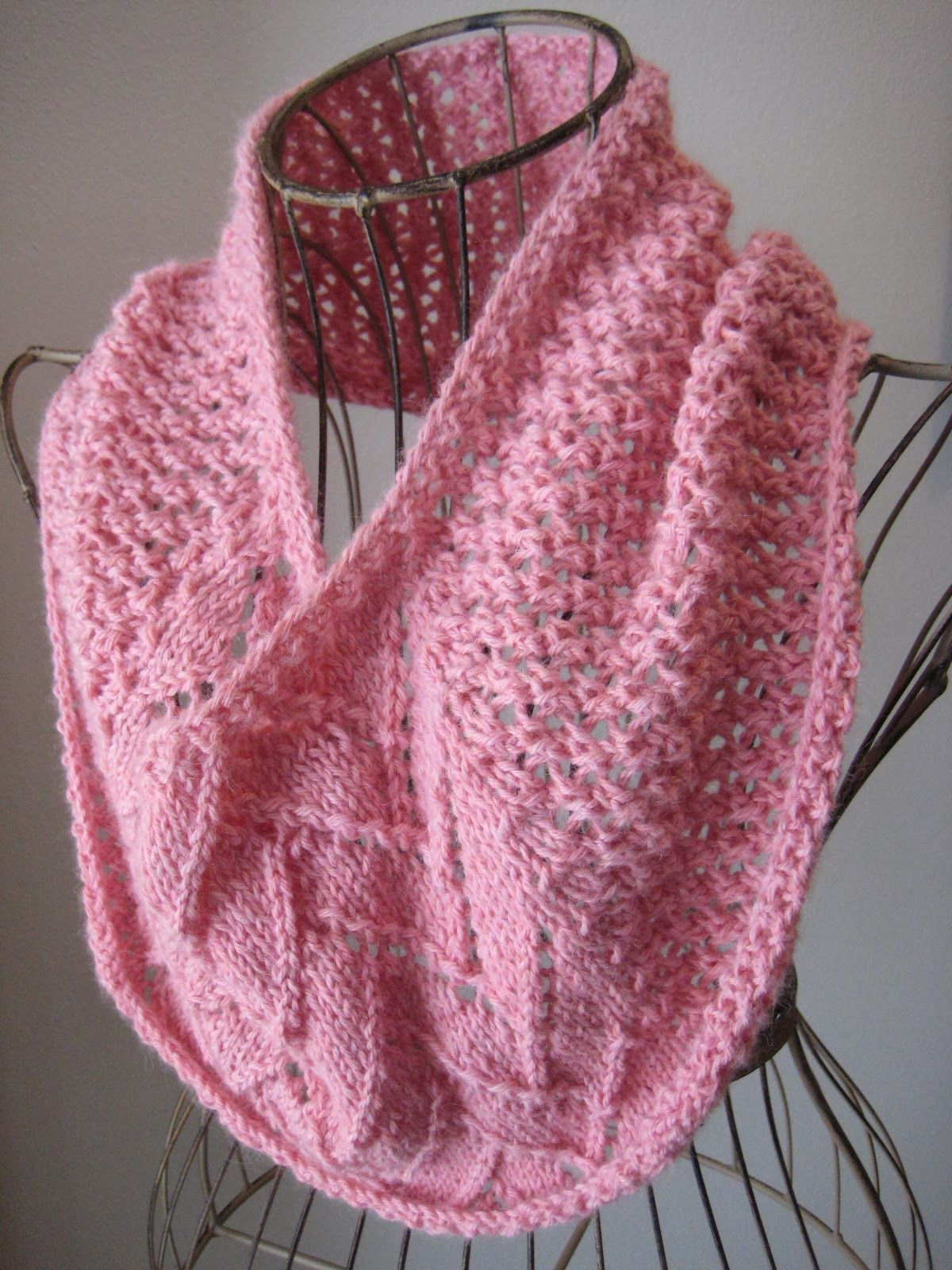 Balls to the Walls Knits: Flemish Block Cowl Now to find someone to ...