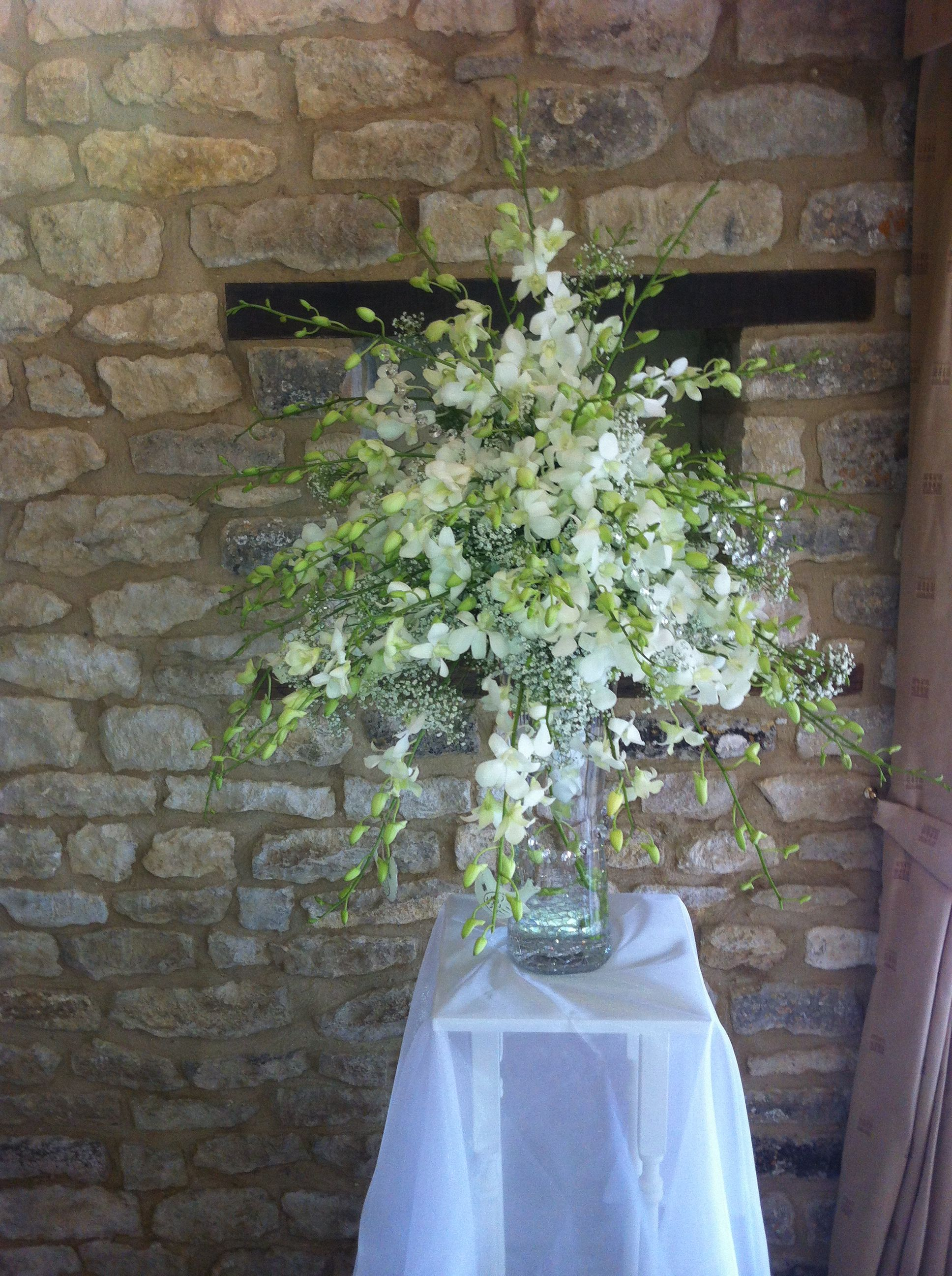 wedding venue pedestal stands for ceremony room, white