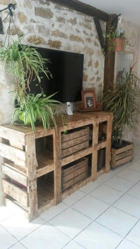 meuble t l en palette et caisse pomme meuble fabriqu avec du bois de r cup ration rejoigne. Black Bedroom Furniture Sets. Home Design Ideas