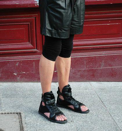 Nike Benassi Lux Cuff Leather Sneaker Sandals in Black | Lyst