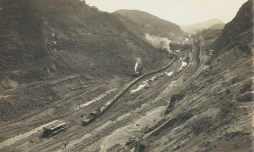 1900 - Construcción por los británicos de la presa baja de Asuan, en el río Nilo