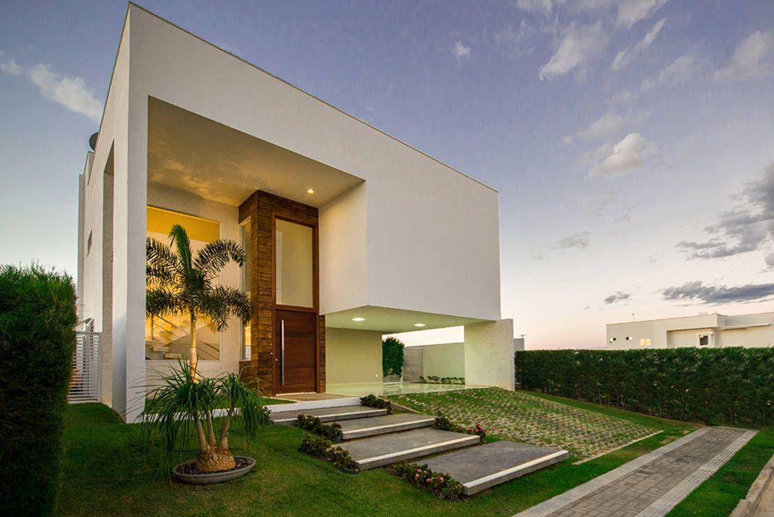 Hoy viajaremos a Brasil para conocer una casa moderna en Mossoró, Rio Grande do Norte.