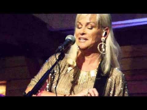 Lorrie Morgan - A Picture of Me(Without You) (Live From ...