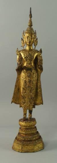 Buddha em bronze gilded a ouro do sec.19th, 46cm de altura, 19,480 EGP / 7,165 REAIS / 2,310 EUROS / 2,720 USD   https://www.facebook.com/SoulCariocaAntiques
