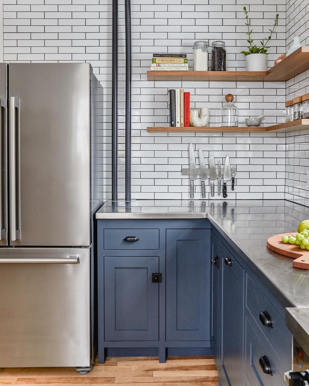 Block Brothers Custom Cabinets On Instagram A Favorite Corner Of A Favorite Kitchen Blue Steel Stainless Steel And Quartersawn White Oak En 2020