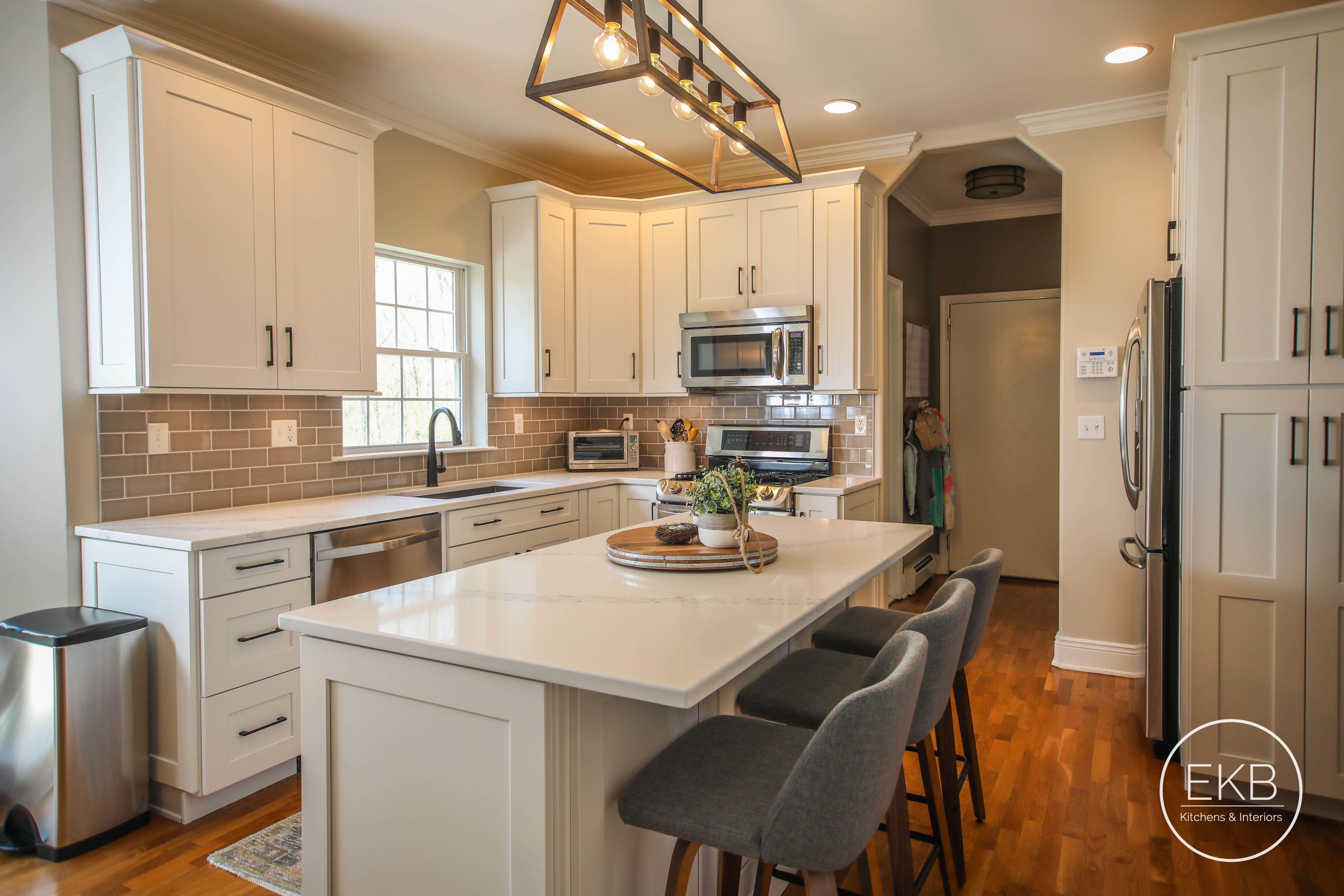 Beautiful White Kitchen Highland Kitchen White Kitchen Kitchen Cabinets