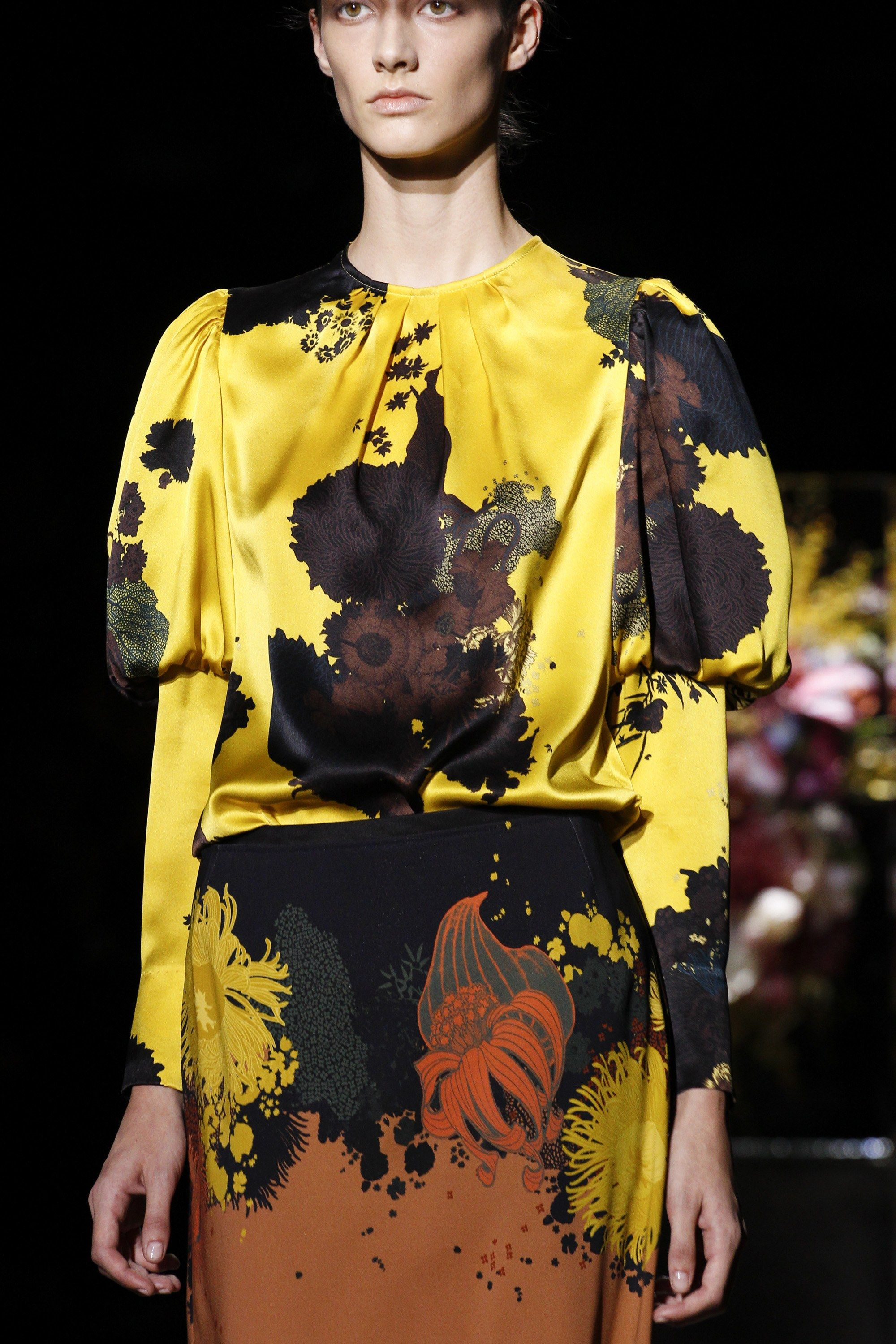 See detail photos for Dries Van Noten Spring 2017 Ready-to-Wear collection.