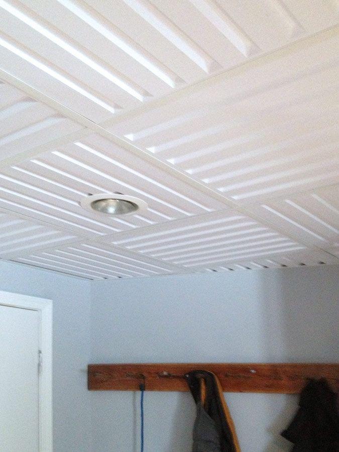 Tuile De Plafond Suspendu Ceilume Southland 2 Pi X 2 Pi Blanc Dropped Ceiling Drop Ceiling Tiles Ceiling Tiles