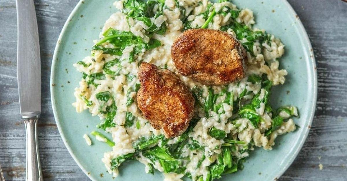 WürzigesSchweinefilet Mit griechischem Spinat-Feta -Reis
