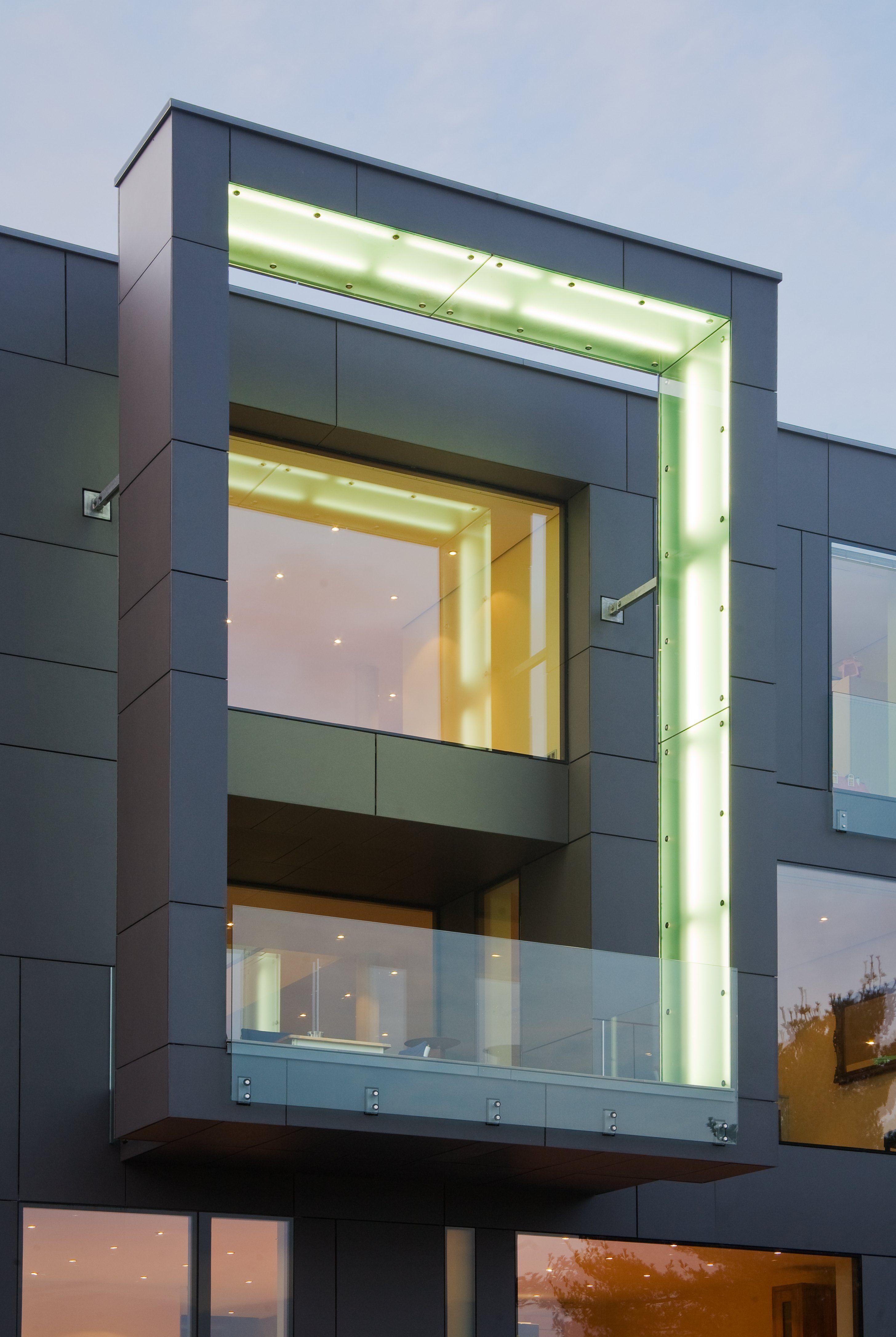 Modern villa in dortmund by drp baukunst equitone facade for Facade moderne villa