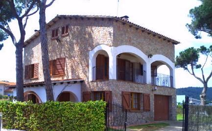 Detached house for sale on C/ Conrad Salò, Mont-ras, Girona - Foto del Inmueble(detalle 0)