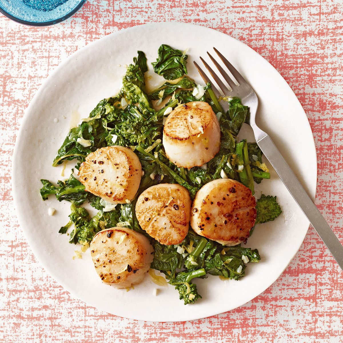 Scallops With Lemony Broccoli Rabe Recipe Cooking Seafood Seafood Dinner Broccoli Rabe