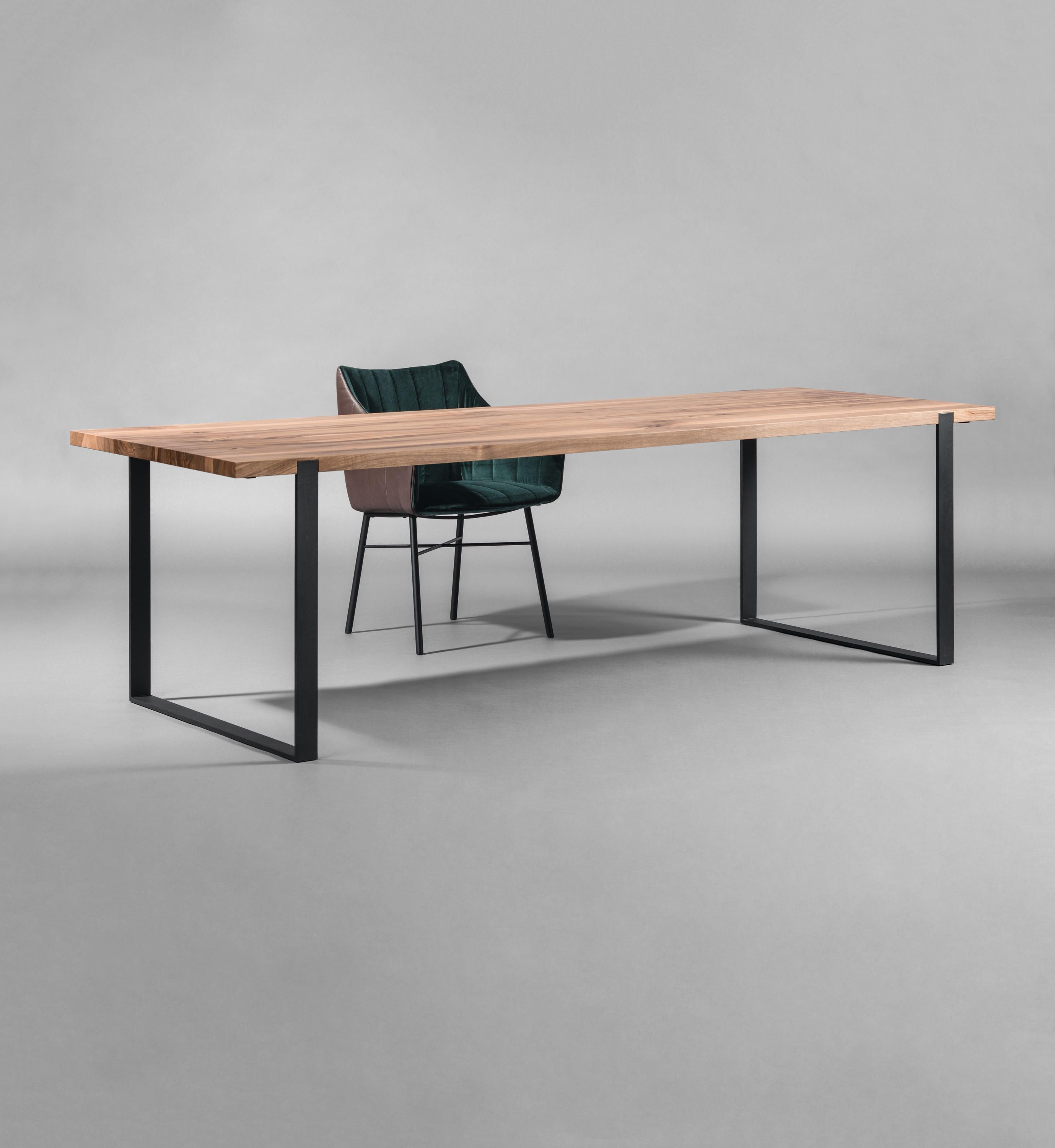S 700 cpsdesign Table by Janua / Christian Seisenberger