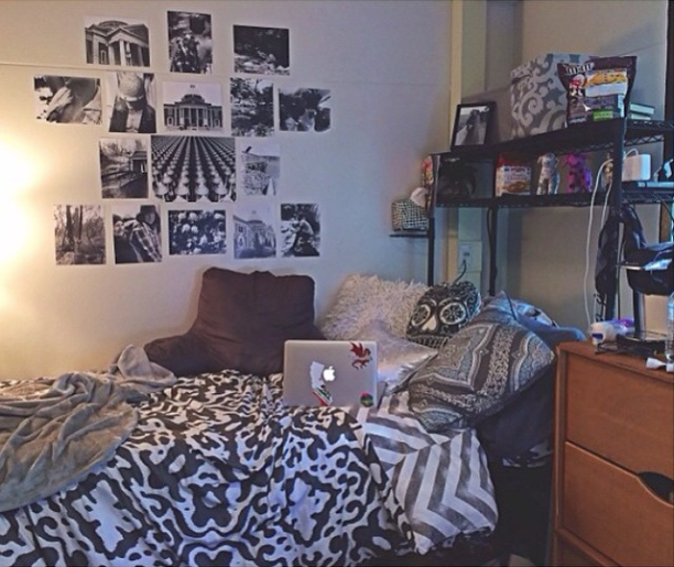 love how this room uses cool tones to make a calm and cozy dorm room