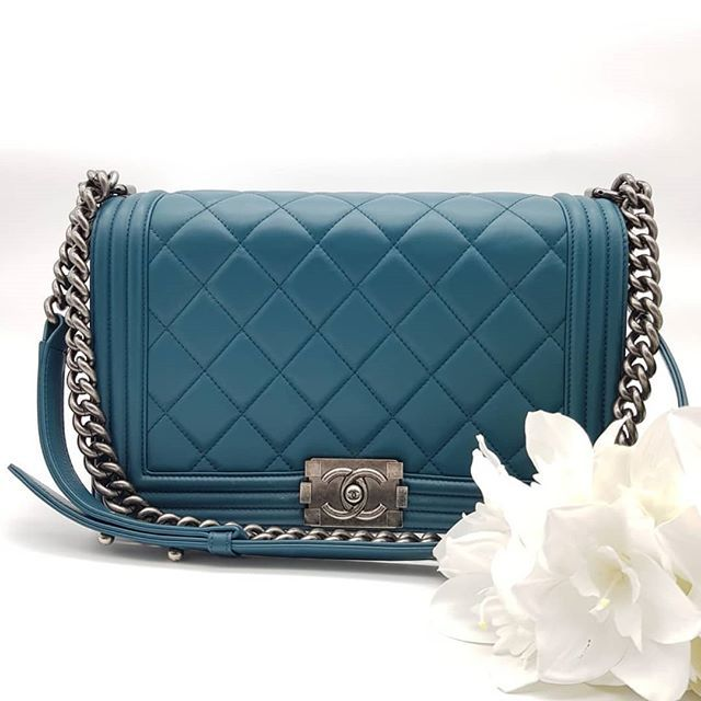 ea21a64653fc Preloved Chanel Boy Old Medium Large Quilt Turquoise Lambskin Ruthenium  Hardware Serial code