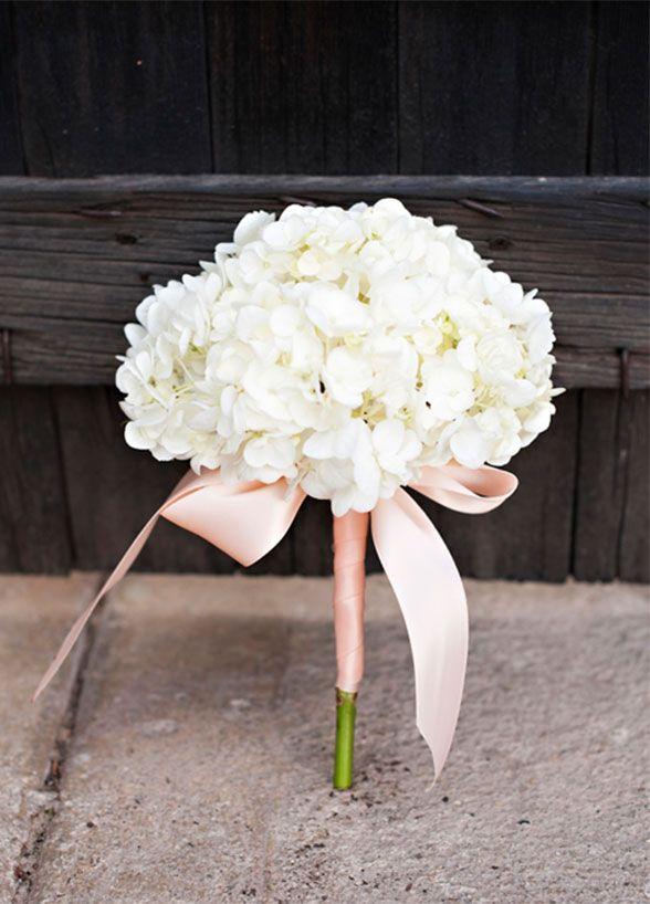 11 Remarkable Single-Flower Wedding Bouquets: One hydrangea stem ...