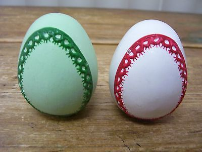 2 Decorative Easter Egg Ceramic Pottery Green Red Ribbon Wreath Hollow