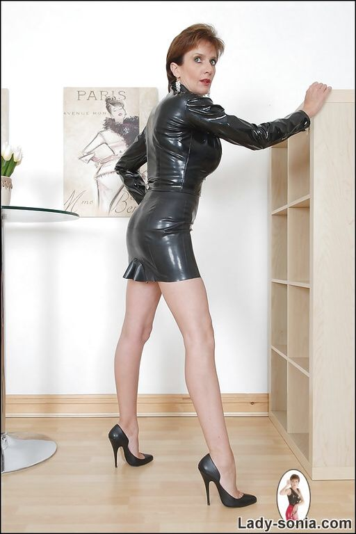 Lady Sonia In Leather