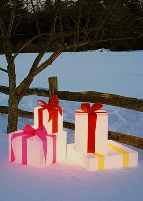I Love These Light Up Christmas Presents They Look Lovely Under A Tree