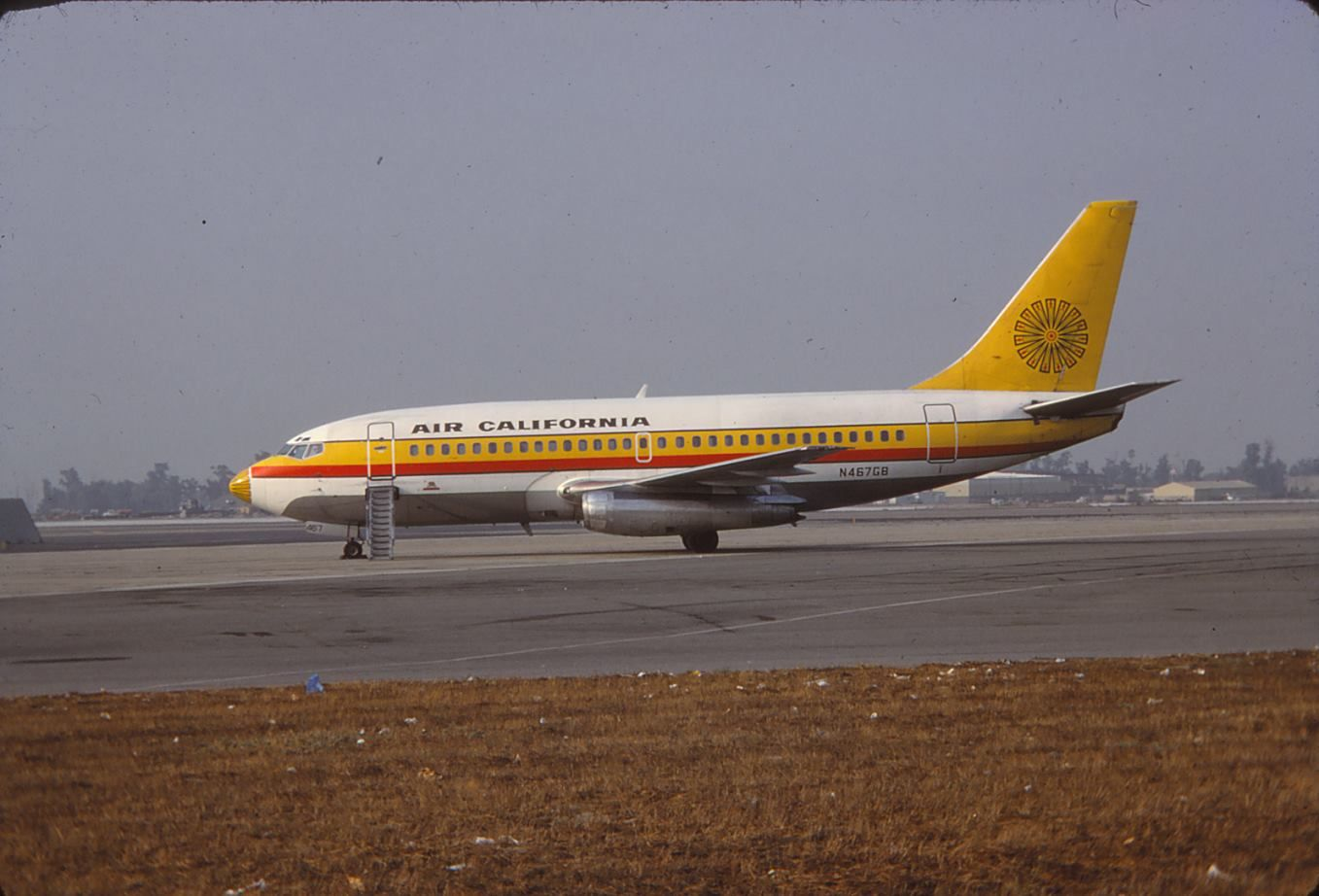 Air California 737200 Airlines branding, American