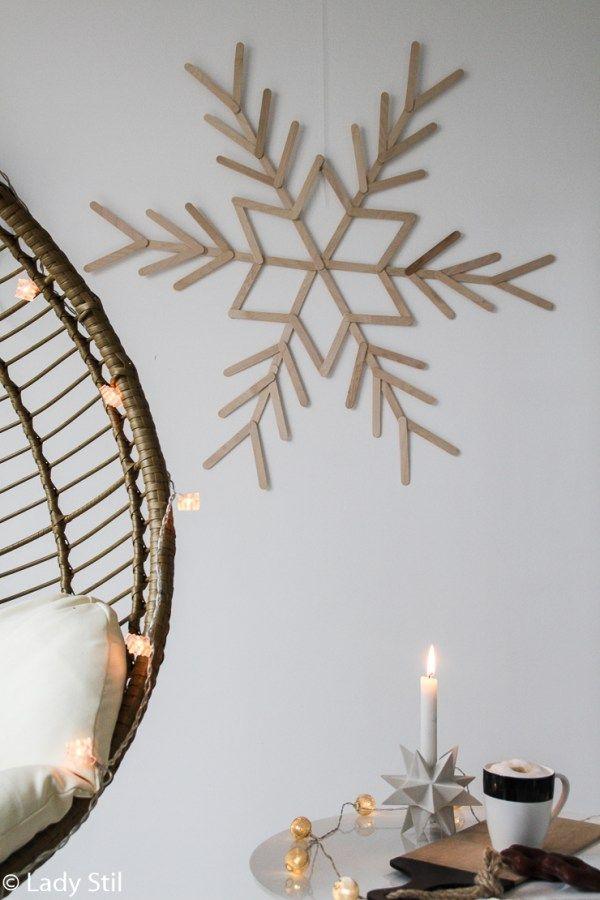 diy winterliche weihnachtliche wanddeko schneeflocke aus