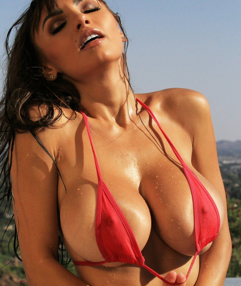 interracial-torrent-red-bikini-boobs-in-movies-chested