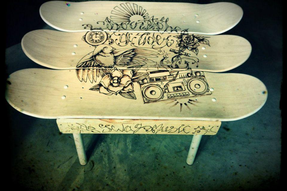 table basse skate pyrogravure pyrogravure land art pinterest pyrogravure art et gravure. Black Bedroom Furniture Sets. Home Design Ideas