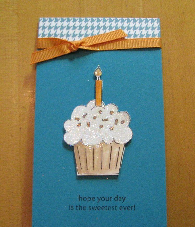 cupcake mit kerze auf der geburtstagskarte aufkleben bastelarbeiten pinterest karten. Black Bedroom Furniture Sets. Home Design Ideas
