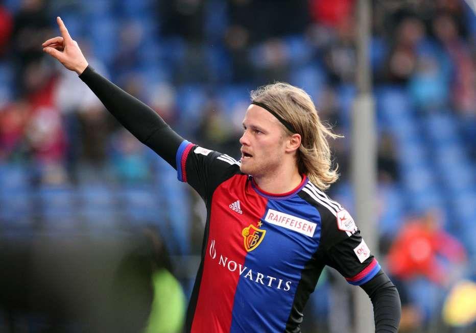 Sie haben gewählt Das ist der Fussballer des Monats April! Die Katze ist aus dem Sack! FCB-Mittelfeldmotor Birkir Bjarnason räumt neben dem Meistertitel auch die Auszeichnung als «Fussballer des Monats» ab.