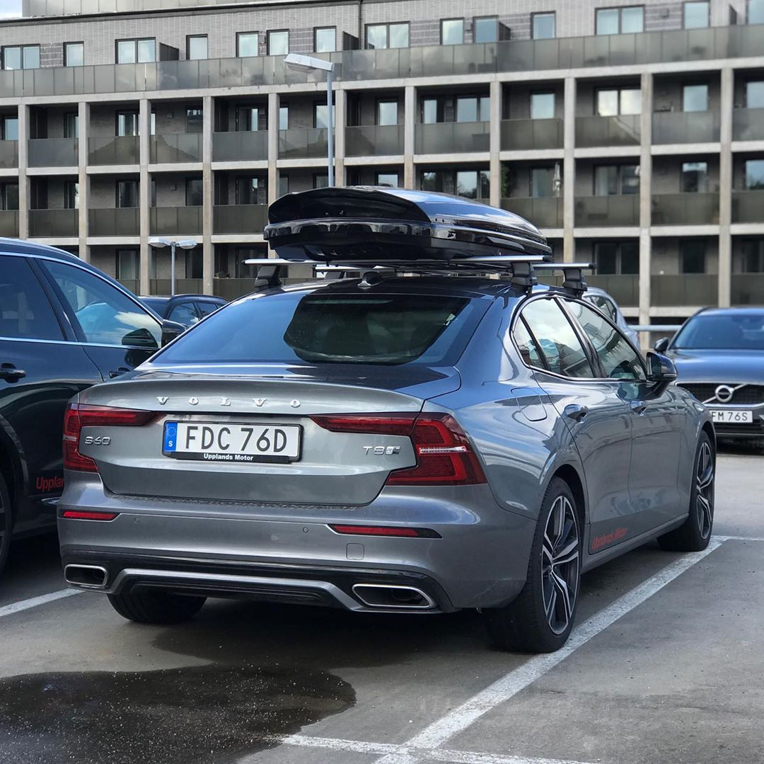 2020 S60 T8 R Design In Osmium Grey With 19 Wheels And Roof Box Volvo Sweden Volvofamily Madebysweden Volvoforlife Volvomoment Roof Box Volvo Bmw