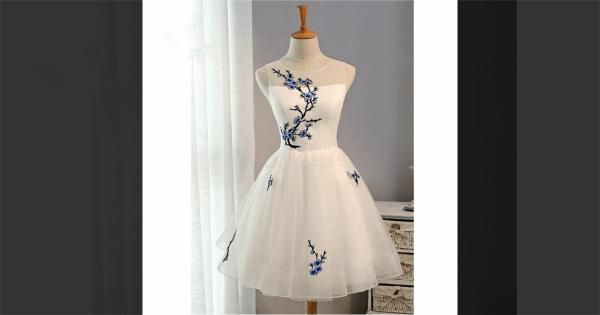 Find More Homecoming Dresses Information about Homecoming Dress White Embroidery Graduation Dress Short Homecoming Graduation Dresses Cocktail Dresses,High Quality Homecoming Dresses from FlowerGirlDress Store on Aliexpress.com #whiteembroidery
