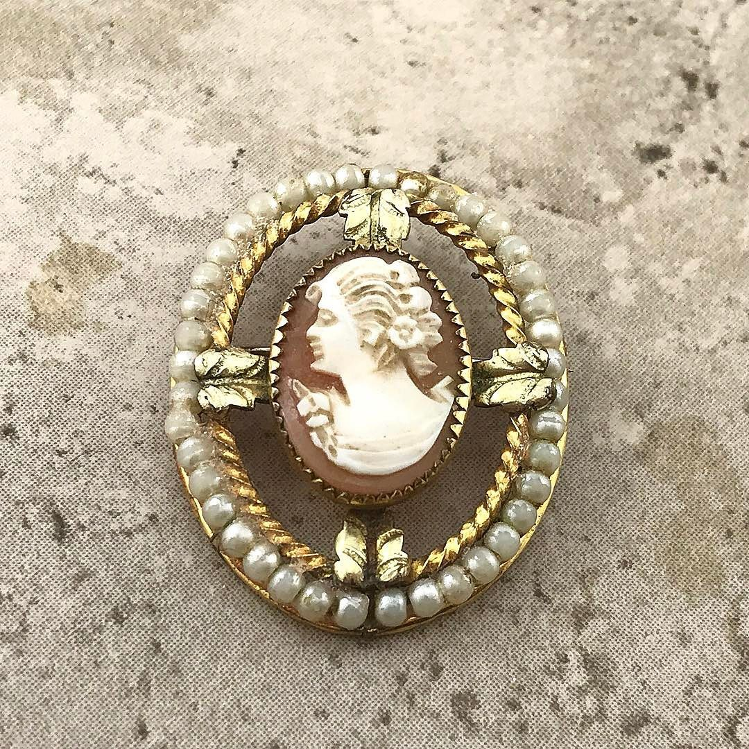 50% OFF - VINTAGE http://ift.tt/1QD92fe  #etsy #etsysale #etsyshop #etsyseller #etsyfinds #vintage #vintageshop #vintagesale #vintagejewelry
