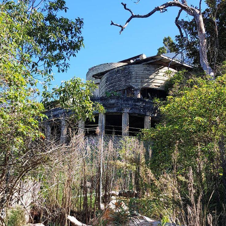 Abandoned Mansions Australia #abandoned #mansions
