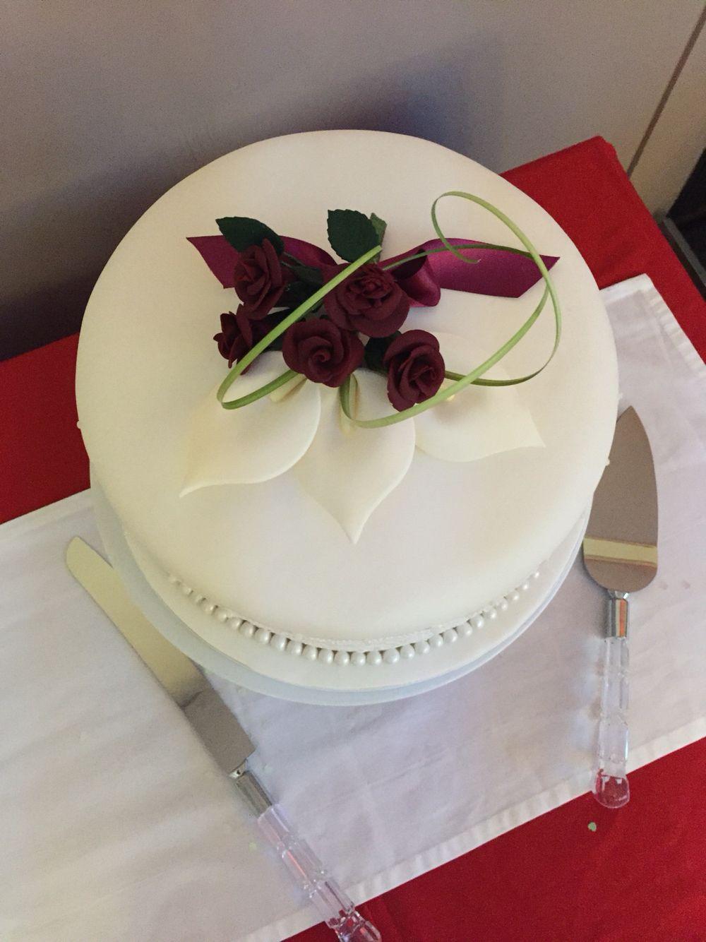 Wedding cake... Elegant... Perfect