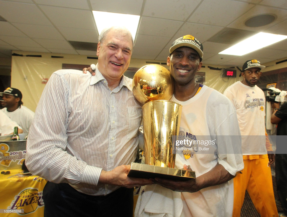 Head Coach Phil Jackson And Kobe Bryant Of The Los Angeles Lakers In 2020 Phil Jackson Kobe Bryant Los Angeles Lakers