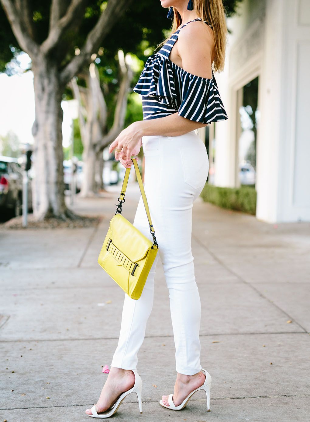 c949b8904e4 How to wear white jeans Nautical and Nice