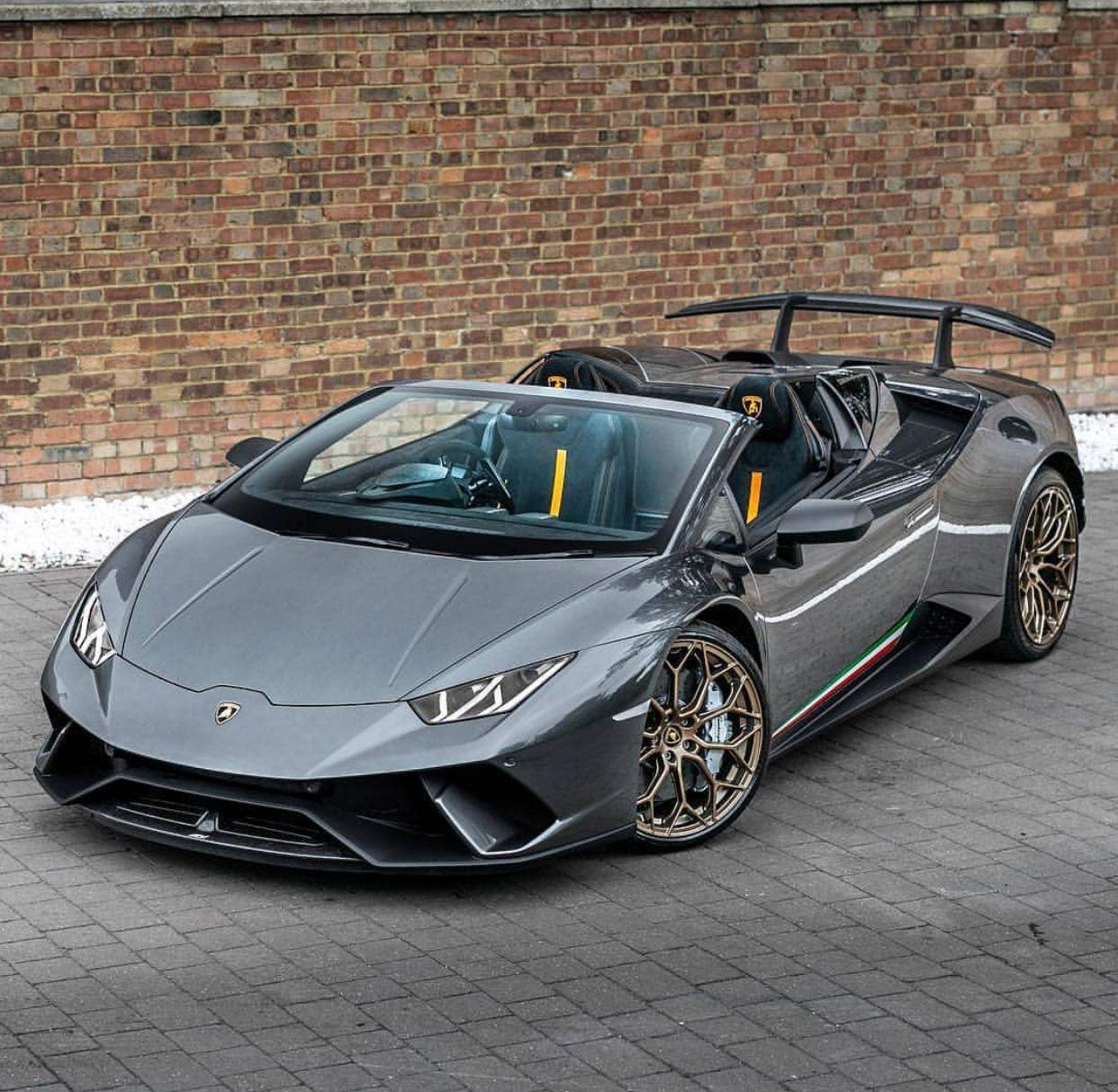 Spyder Sports Car: Lamborghini Huracan Perfomante Spyder LP 640-4