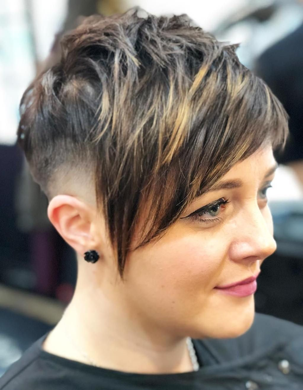 Pixie Haircuts With Bangs 50 Terrific Tapers Short Hair Styles Pixie Edgy Hair Color Short Pixie Haircuts