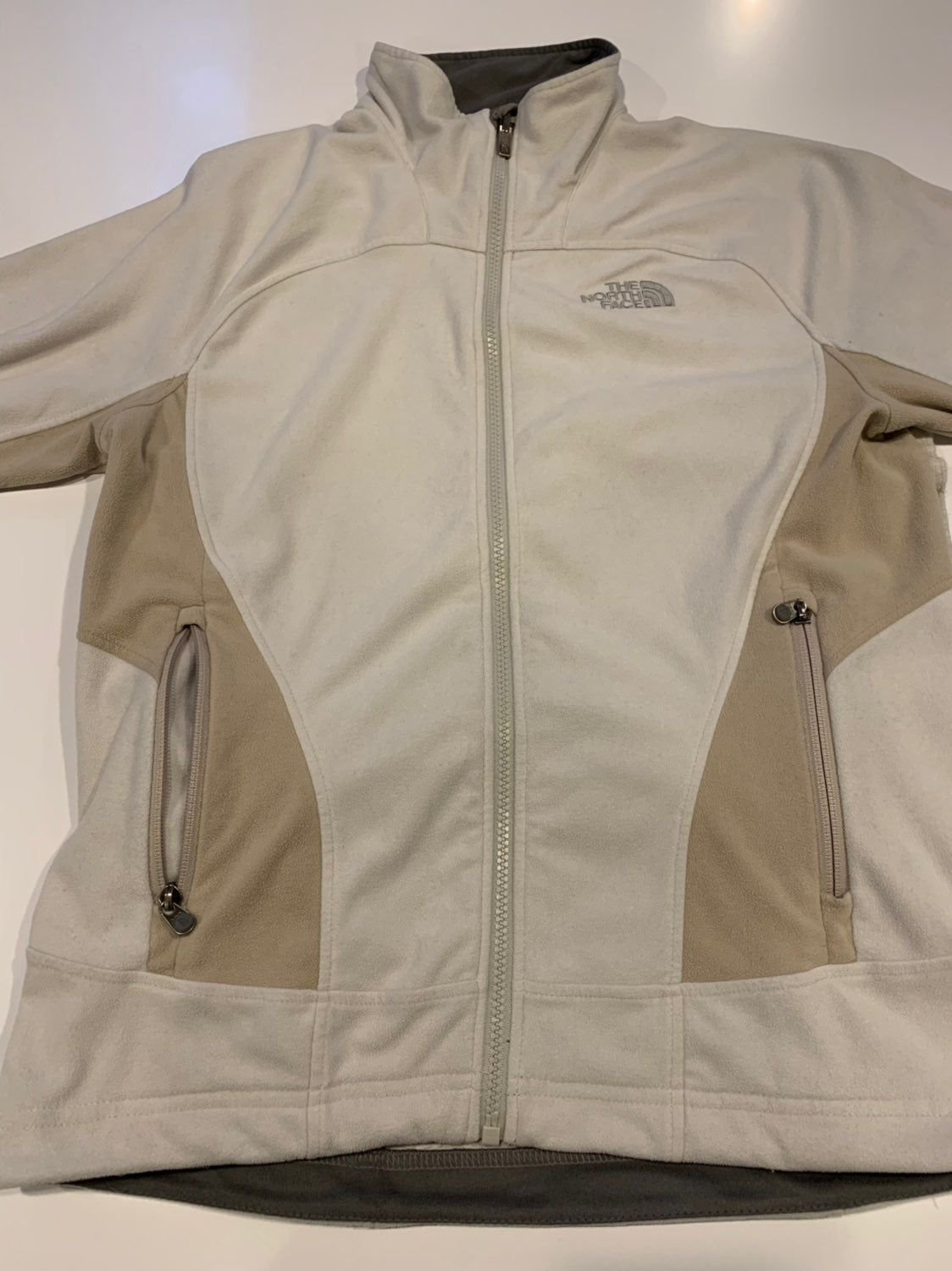 Women S Northface Cream And Tan Fleece Jacket Excellent Condition Size Medium No Defects Or Flaws Sta Fleece Jacket North Face Fleece Jacket The North Face [ 1500 x 1124 Pixel ]
