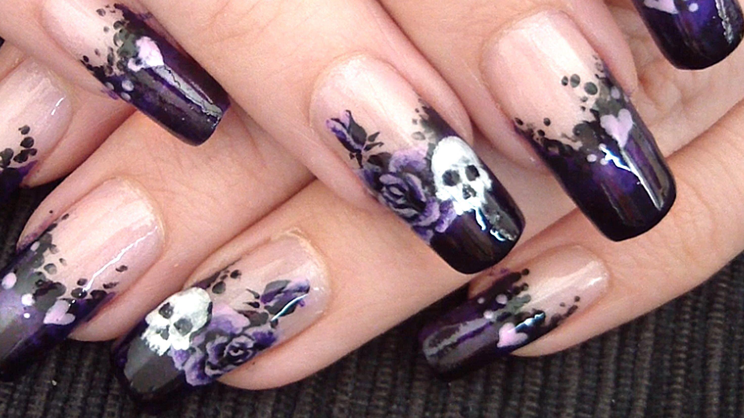 Cool skull and roses nail design | Nail Art | Pinterest