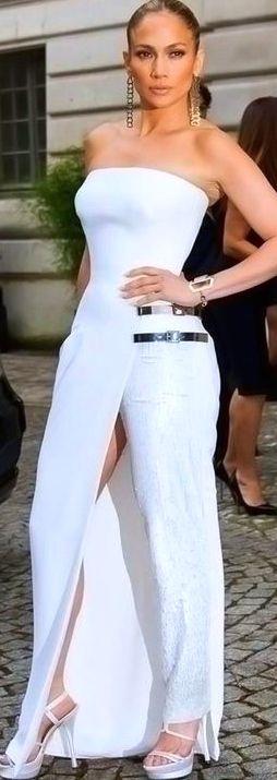 JLo in Versace 2014