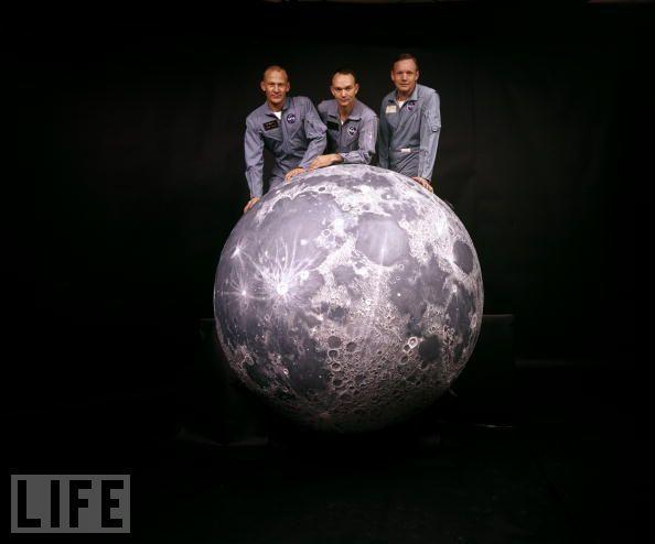    Apollo 11 crew with the Moon