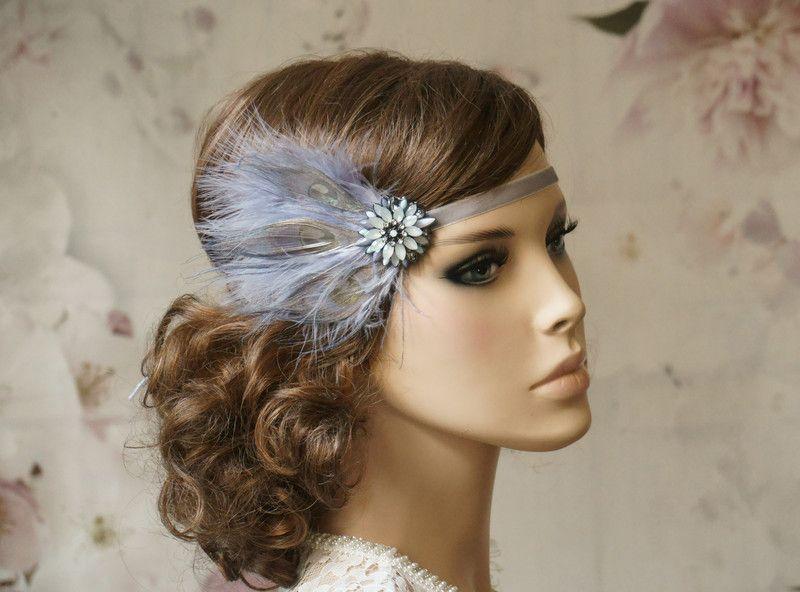 Headpieces Fascinators Flapper Haarband 20 Er Jahre Brosche Grau Ein Designerstuck Von Elizabethmod 20er Jahre Frisur 20er Jahre Haar Styling Kurzes Haar