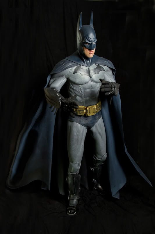 cb48fabde968 Incredible Real-World Replica Of Batman s Arkham City Costume  Cosplay