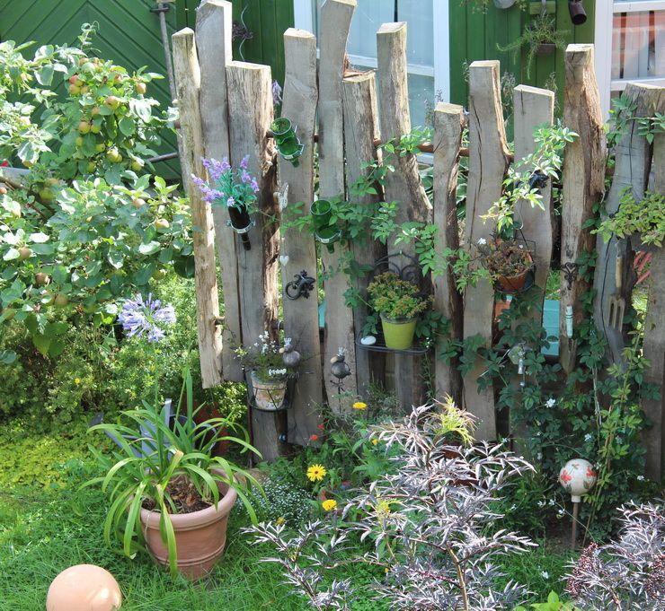 Sichtschutz aus Holzresten #sichtschutzterasse Sichtschutz aus Holzresten #zaunideen