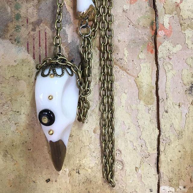regram @jenniemccallart New collection of small porcelain skulls will be in my online shop soon! http://ift.tt/2lOq8Rx #skulls #skullsandbones #ceramics #porcelain #instadesign #interiorstyling #gothicstyle