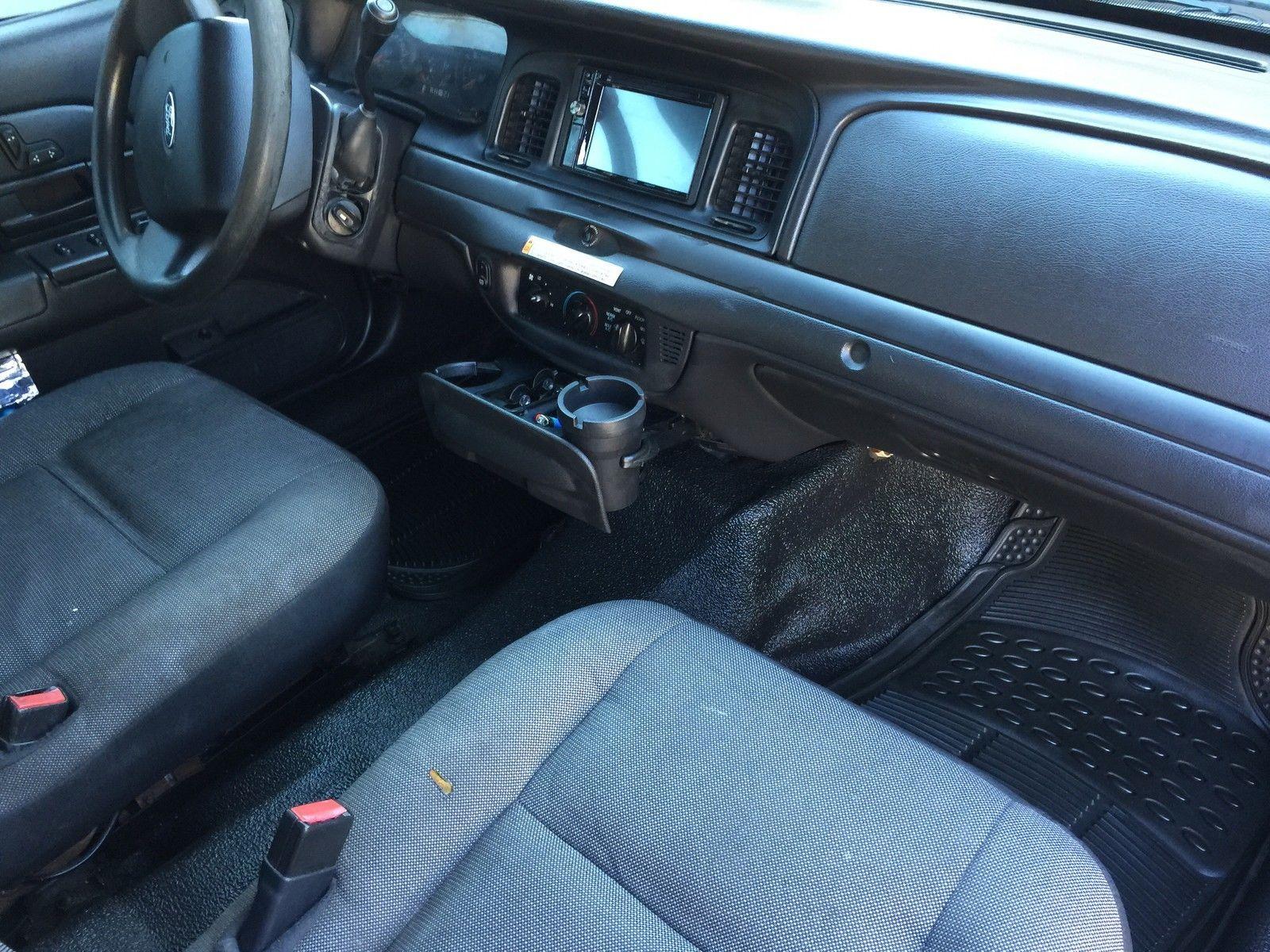 2007 ford crown victoria police interceptor sedan 4 door