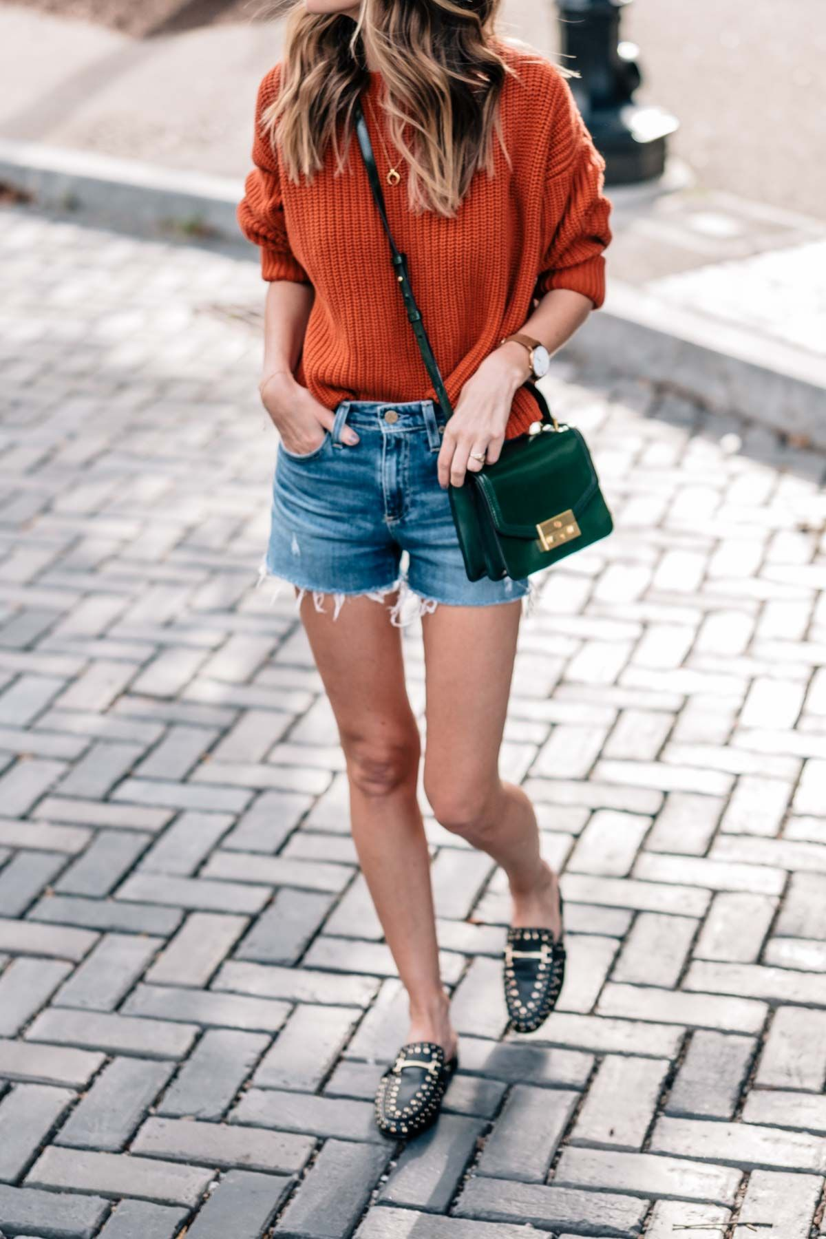 44da7f8efe6a5e Fall style on Jess Kirby wearing a chunky knit sweater