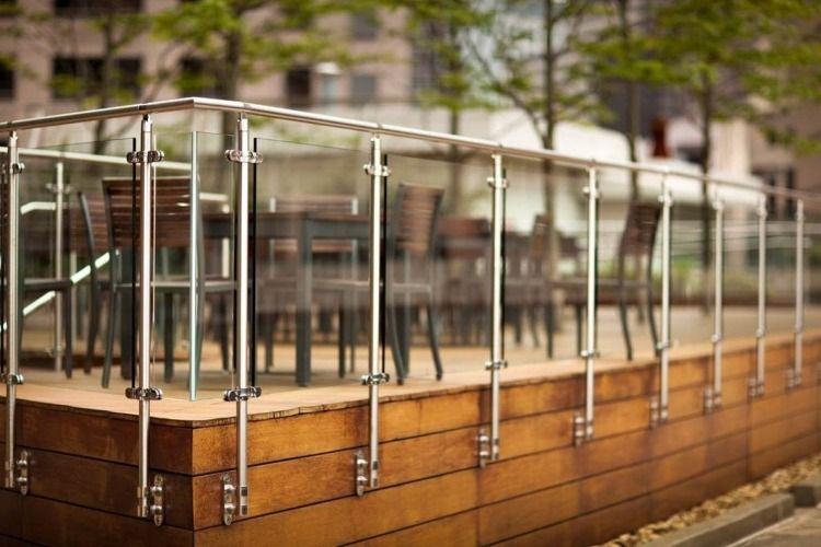 gelander balkon terrasse bauen glas metall konstruktion transparent 750 500. Black Bedroom Furniture Sets. Home Design Ideas